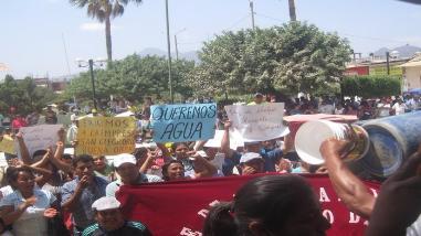 Pobladores protestaron en contra del alcalde de Olmos