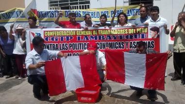 CGTP realizó lavado de banderas en Chiclayo