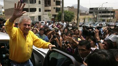 Luis Castañeda: Será complicado que postule el 2016, dice Rondón