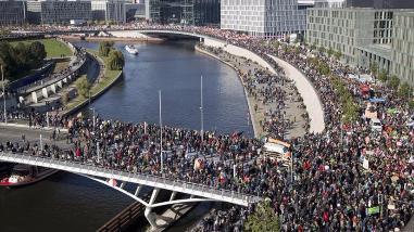 Berlín: al menos 200 mil personas en contra del tratado TTIP con EE.UU y la UE