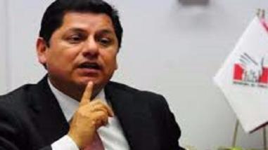 Defensor del Pueblo lamentó actitud del jefe del Inpe