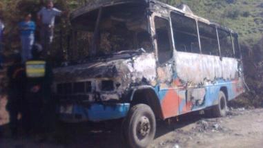 Extorsionadores: Transportistas reducirán ruta para evitar quema de buses