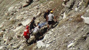 Chincheros: siete heridos de gravedad tras caída de vehículo a abismo