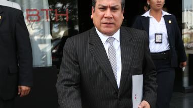 Ministro Adrianzén responde pliego de interpelación en el Congreso