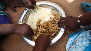FAO defiende programas de protección social frente a pobreza y hambre