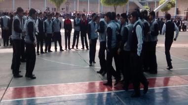 Escolares participan en simulacro de sismo