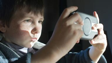 Videojuegos mejoran memoria de niños supervivientes de cáncer