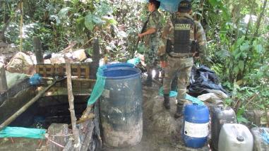 Policía destruyó laboratorio de droga en el Monzón