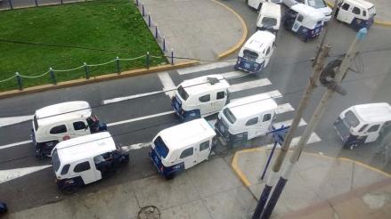 Chorrillos: mototaxis invaden calles sin autorización