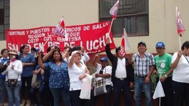 Trabajadores del sector Salud de Lambayeque protestan exigiendo beneficios