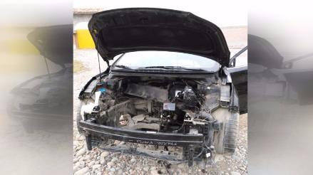 Auto es desmantelado por completo en Lurín