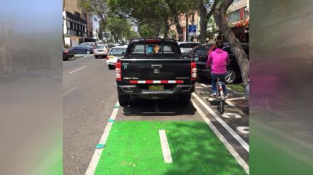 Ciclistas no tienen por donde andar con seguridad en San Isidro