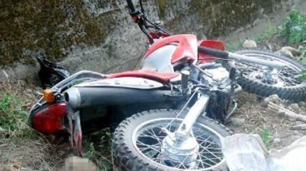 Motociclista perdió la vida tras despiste y vuelco de su moto