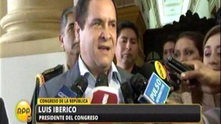 """Iberico: """"Hizo bien Marisol Espinoza en mantenerse como vicepresidenta"""""""