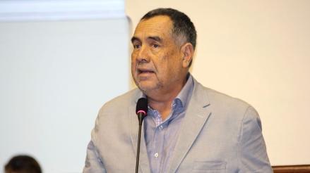 Espinoza no informó a la bancada su alejamiento del Nacionalismo, dice vocero