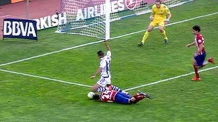Atlético Madrid: José María Giménez y el planchazo de cabeza para evitar gol