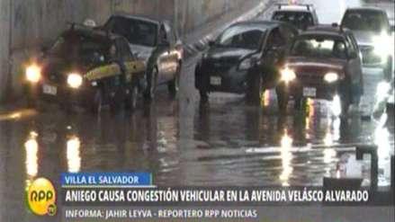 VES: aniego causa congestión en avenida Velasco Alvarado
