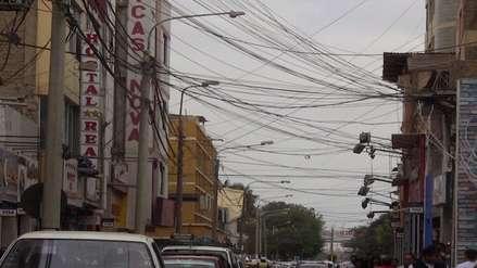 Cables de luz y telefonía son un peligro ante llegada del fenómeno El Niño