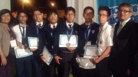 Chiclayo: llegan alumnos ganadores de medallas en olimpiada de matemática