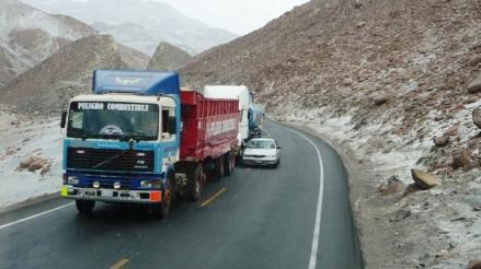 Pase vehicular se normaliza tras primer día de paro regional en Cusco