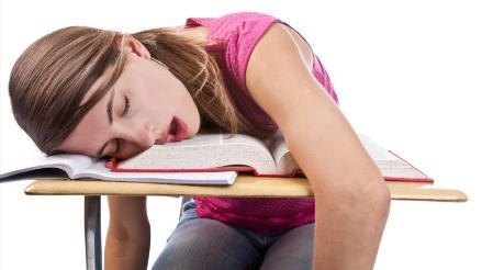 Dormir mucho el fin de semana genera menor rendimiento cognitivo y académico