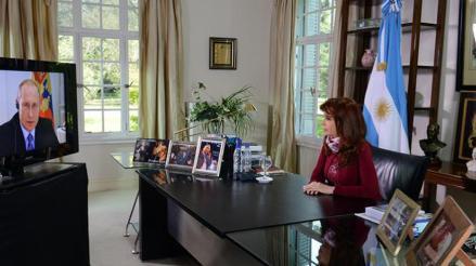 Fernández felicita a Putin por enfrentar lucha contra terrorismo global