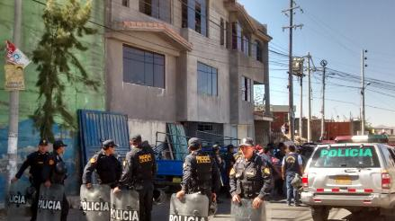 Tres detenidos deja intervención a vivienda donde había autopartes