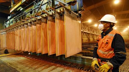 Producción de cobre creció 34.7% en agosto, su mayor incremento del año