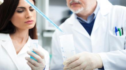 Expertos británicos investigarán si olor corporal puede alertar de Parkinson