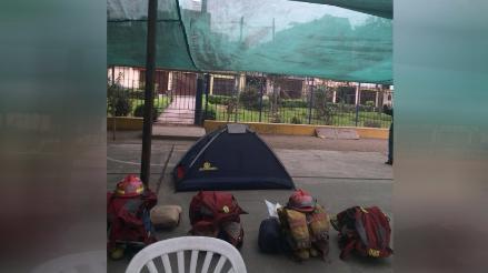 Bomberos atienden en losa deportiva ante desalojo de alcalde de Ate