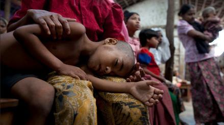 Recomiendan hacer más pruebas antes de aprobar vacuna contra la malaria