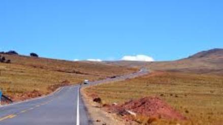Observan autopista Puno – Juliaca por evidencias de restos arqueológicos