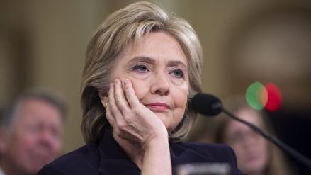 Clinton asume responsabilidad por ataque al consulado de EEUU en Libia