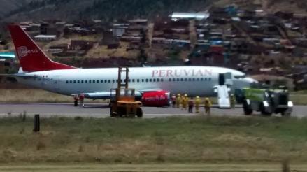 Avión presentó fallas al aterrizar en aeropuerto Alejandro Velasco