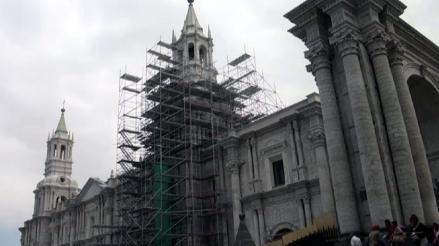 Realizan obras de remodelación en centro histórico de Arequipa