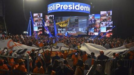 Argentina: Scioli agradece la victoria sin confirmar segunda vuelta
