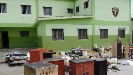 Droga, celulares y armas punzo cortantes encuentran en penal de Socabaya