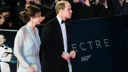 James Bond: Duques de Cambridge sorprenden en estreno de Spectre