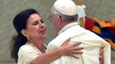 """Papa a gitanos: """"No den ocasión para hablar mal de ustedes"""""""