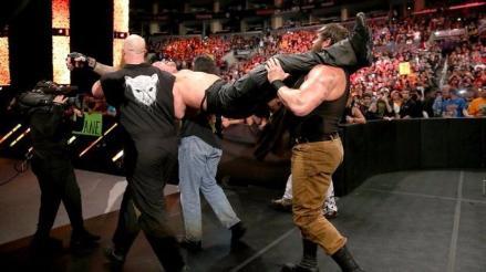 WWE: Bray Wyatt reveló por qué raptó a Undertaker en Hell in a Cell