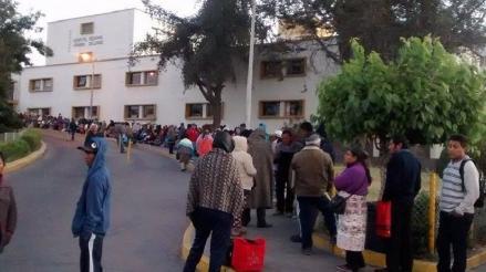 Más de mil pacientes sin atención por paro de trabajadores
