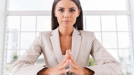 Los hombres dicen querer mujeres inteligentes pero en realidad les temen
