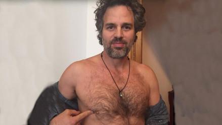 Hulk se quita la camisa para luchar contra el cáncer de mama