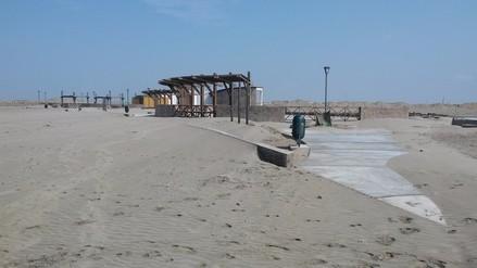 Chiclayo: malecón de Puerto Eten se encuentra bajo la arena