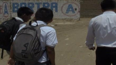Alumnos son captados cuando se escaparon del colegio