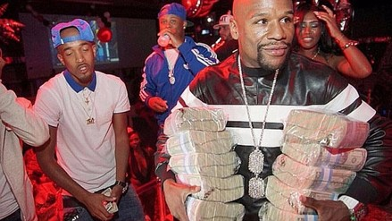 Instagram: Floyd Mayweather salió de fiesta cargando fajos de dólares