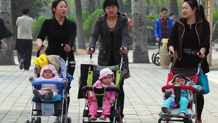 China: Advierten que permitir 2 hijos no acaba con abusos