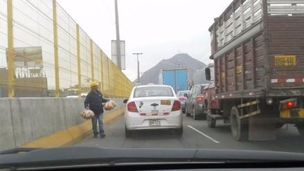 El Agustino: la falta de control en Vía Evitamiento genera la presencia de ambulantes