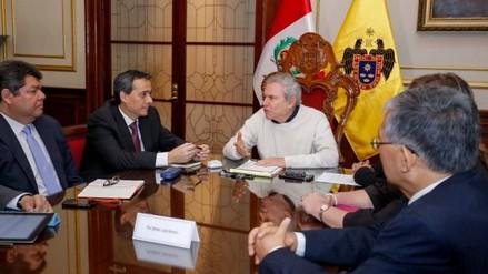 Alonso Segura se reúne con alcalde de Lima por reforma del transporte