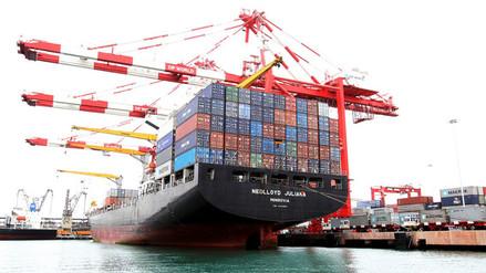 CCL: Urge simplificación de trámites de exportación